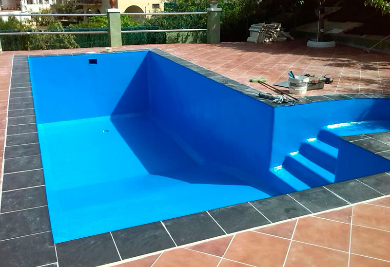 Piscines d 39 tanch it avec lastom re de polyur thane for Sika peinture piscine